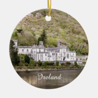 Kylemore Abtei-Schloss in Irland Rundes Keramik Ornament