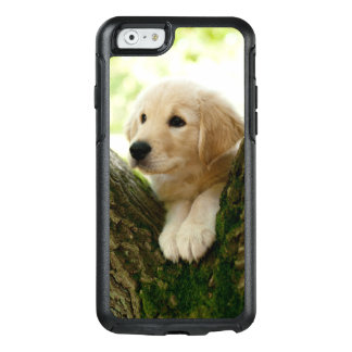 Labrador-Welpe, der in einer Waldeinstellung sitzt OtterBox iPhone 6/6s Hülle
