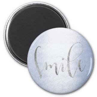 Lächeln-blaue silbernes Grau Ombre Runder Magnet 5,7 Cm
