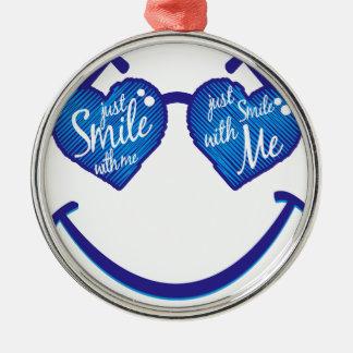 lächeln Sie einfach mit mir, Liebe und glases Rundes Silberfarbenes Ornament