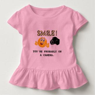 Lächeln! Sie sind vermutlich auf einer Kamera Kleinkind T-shirt