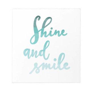 Lächeln- und Glanzliebling Notizblock