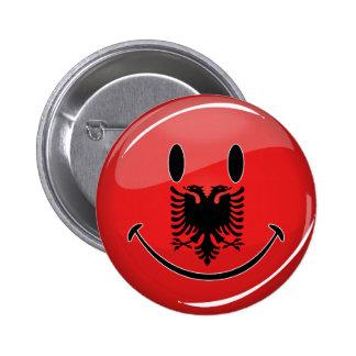 Lächelnde albanische Flagge Runder Button 5,1 Cm