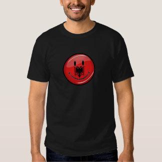 Lächelnde albanische Flagge T-Shirt