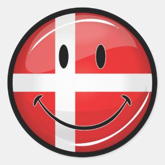 Lächelnde Dänemark-Flagge Runder Aufkleber