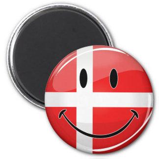 Lächelnde Dänemark-Flagge Runder Magnet 5,7 Cm