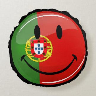 Lächelnde portugiesische Flagge Rundes Kissen