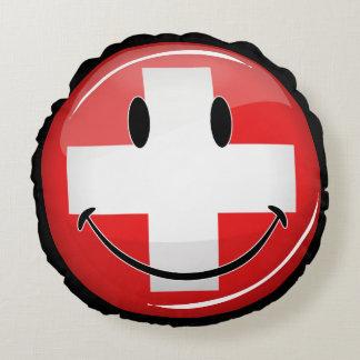 Lächelnde Schweizer Flagge Rundes Kissen