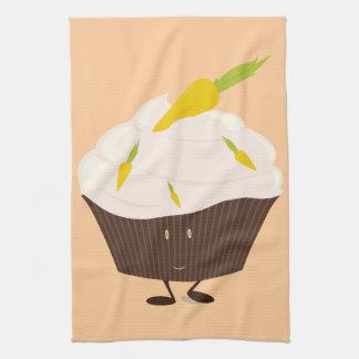 Lächelnder Karottenkuchenkleiner kuchen Handtuch