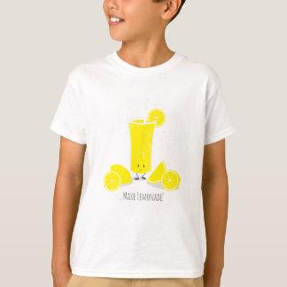 Lächelnder KinderT - Shirt des Limonade-Glas-|