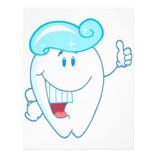 Lächelnder Zahn-Cartoon-Charakter mit Zahnpasta an 21,6 X 27,9 Cm Flyer