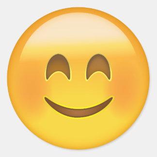 Lächelndes Gesicht mit lächelnden Augen Emoji Runder Aufkleber