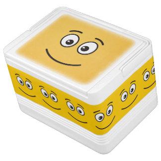 Lächelndes Gesicht mit offenen Augen Kühlbox