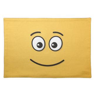 Lächelndes Gesicht mit offenen Augen Stofftischset