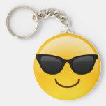 Lächelndes Gesicht mit Sonnenbrillen cooles Emoji Standard Runder Schlüsselanhänger