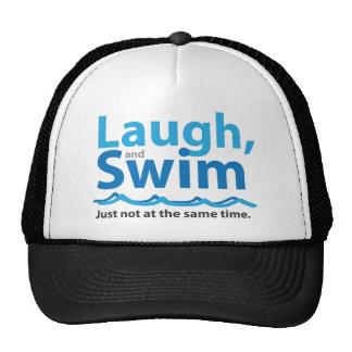 Lachen und Schwimmen… gerade nicht gleichzeitig Trucker Caps
