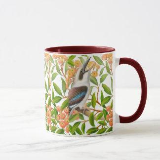 Lachendes Kookaburra in der Gummi-Baum-Tasse Tasse