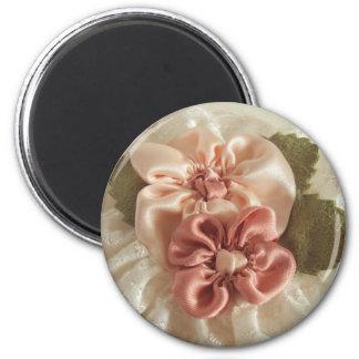 Lachsrosa-und Pfirsich-Blumen Runder Magnet 5,7 Cm