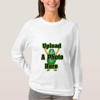 Laden Sie Ihr Foto zu den Schablonenprodukten T-Shirt
