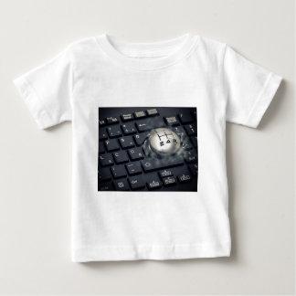 Laden Sie Ihren Computer auf Baby T-shirt