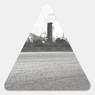 Lagune-Asphalt 1 Dreieckiger Aufkleber