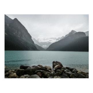 Lake Louise im Regen Postkarte