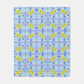 Land-Blumen-Blumenstrauß im Blau und im Gelb Fleecedecke