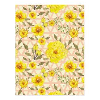 Land-gelbe Blumen auf einem Gitter Postkarte