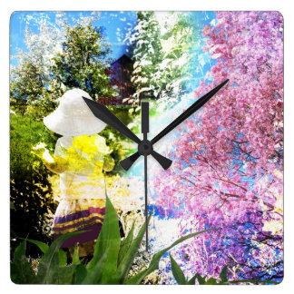 Land-Mädchen-Collagen-Rosa-Blumen-Hütten-Art Quadratische Wanduhr