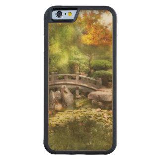 Landschaft - einfach Paradies Bumper iPhone 6 Hülle Ahorn