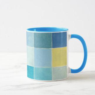 Landschaft mit mehrfarbigen Pixilated Quadraten Tasse