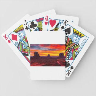 Landschaftliche Ansicht des Sonnenuntergangs über Bicycle Spielkarten