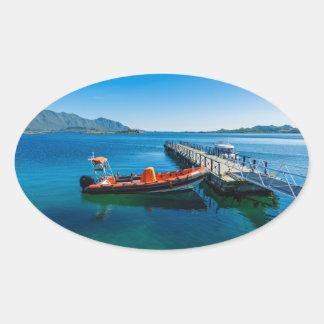 Landungshirsch und Geschwindigkeitsboot Ovaler Aufkleber