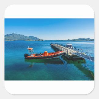 Landungshirsch und Geschwindigkeitsboot Quadratischer Aufkleber