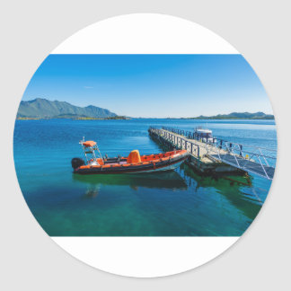 Landungshirsch und Geschwindigkeitsboot Runder Aufkleber