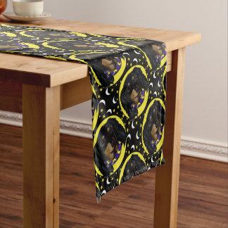Langhaarige schwarze Dackel Kurzer Tischläufer
