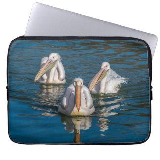 Laptophülse mit drei Pelikanen Laptopschutzhülle