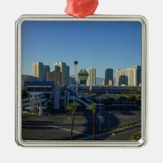 Las Vegas-Streifen voran Silbernes Ornament