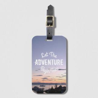 Lassen Sie das Abenteuer auf Lund-Sonnenuntergang Kofferanhänger