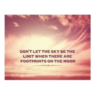 Lassen Sie den Himmel die Grenze nicht sein… Postkarte