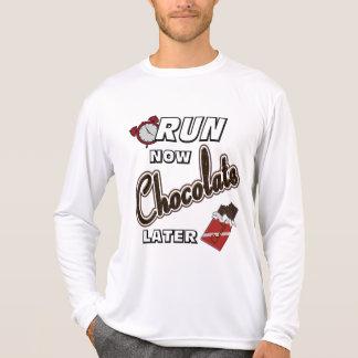 Lassen Sie jetzt Schokolade neueren Sport-Tek LS T-Shirt