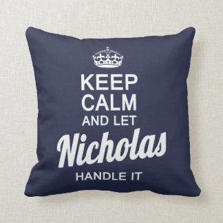 Lassen Sie Nicholas es behandeln! Kissen