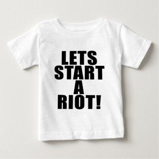 Lässt Anfang ein Aufstand! Baby T-shirt