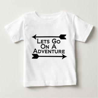 Lässt auf eine Abenteuer-Natur-Wildnis gehen Baby T-shirt