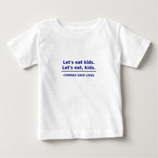 Lässt Kinder essen, die Kommas die Leben retten Baby T-shirt