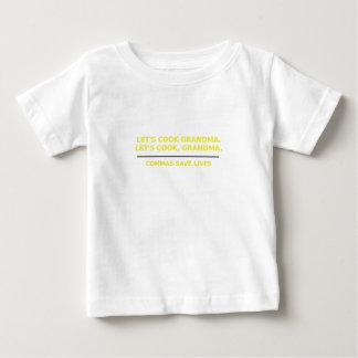 Lässt Koch-Großmutter-Kommas die Leben retten Baby T-shirt