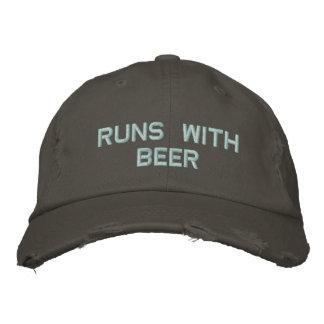 Läufe mit Bier! Trinkender Hut für den Party-Typ