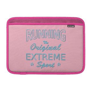 LAUFEN, der ursprüngliche extreme Sport (blaues Sleeve Fürs MacBook Air