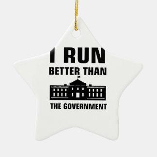 Laufen Sie besser als die Regierung Keramik Stern-Ornament