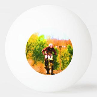 Laufen von Dirtbike Draufgänger Ping-Pong Ball